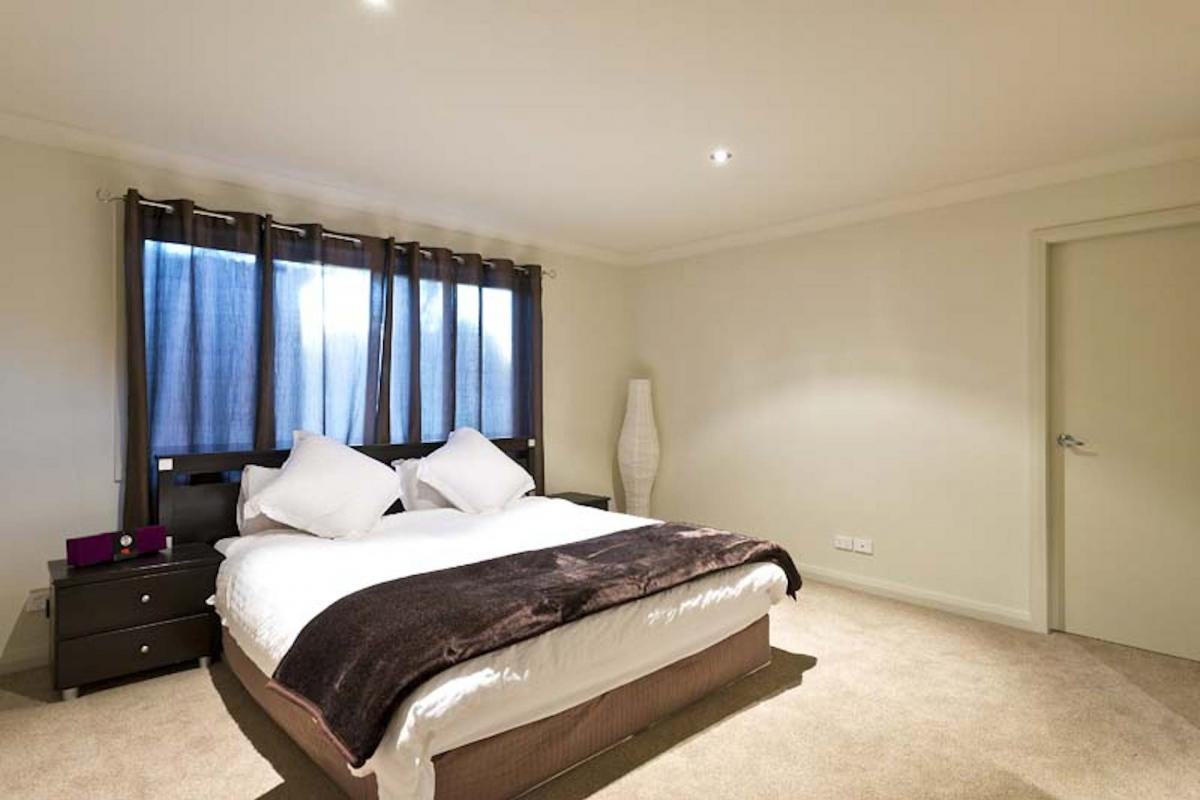 Hunter Valley Accommodation - Blue Cliff Retreat - Pokolbin - Bedroom