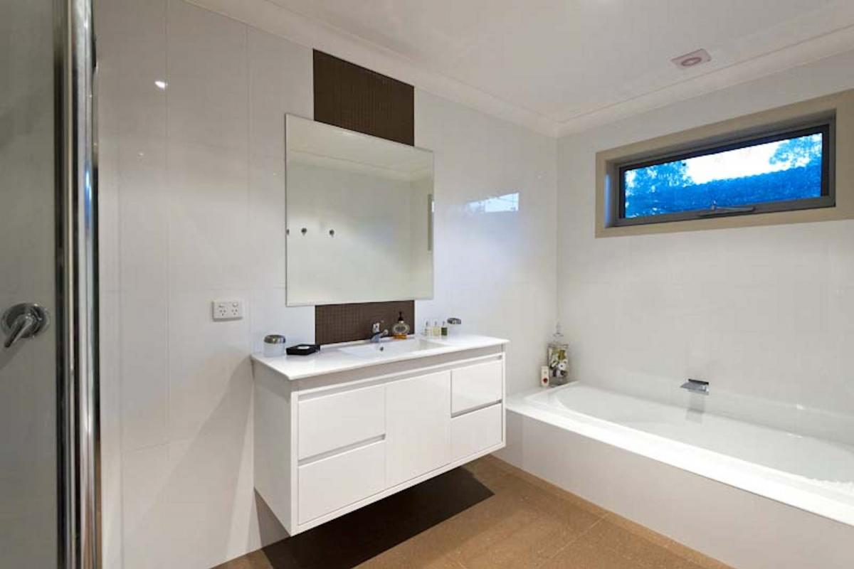 Hunter Valley Accommodation - Blue Cliff Retreat - Pokolbin - Bathroom