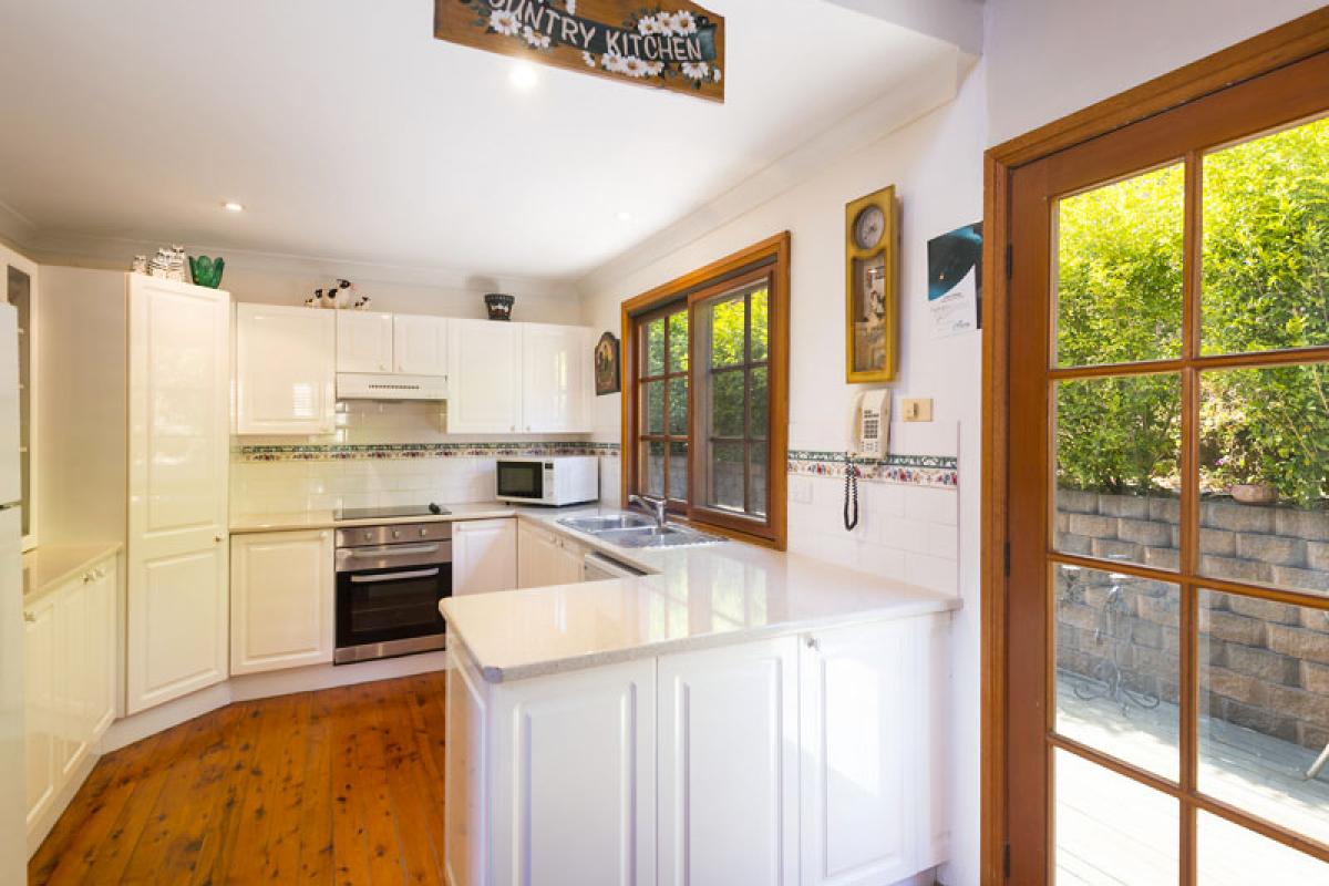 Hunter Valley Accommodation - Cants Cottage - Broke - Kitchen