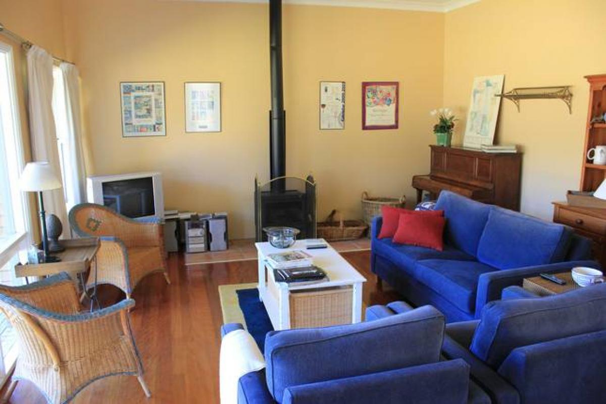 Hunter Valley Accommodation - Colette Cottage - Pokolbin - Living Room