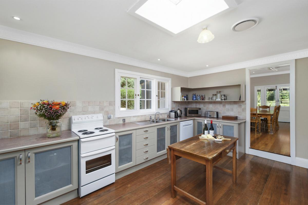 Hunter Valley Accommodation - The Glen - Wollombi - Kitchen