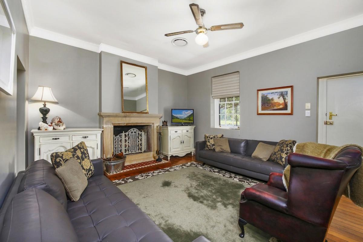 Hunter Valley Accommodation - The Glen - Wollombi - Living Room