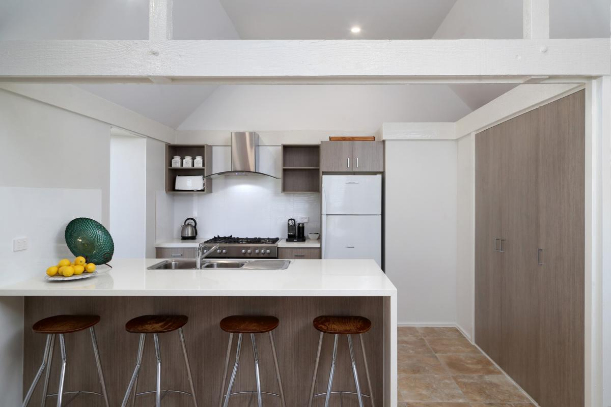 Hunter Valley Accommodation - Ironbark Hill Retreat - Pokolbin - Kitchen