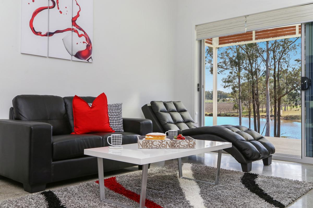 Hunter Valley Accommodation - Ironbark Villas - Pokolbin - Living Room