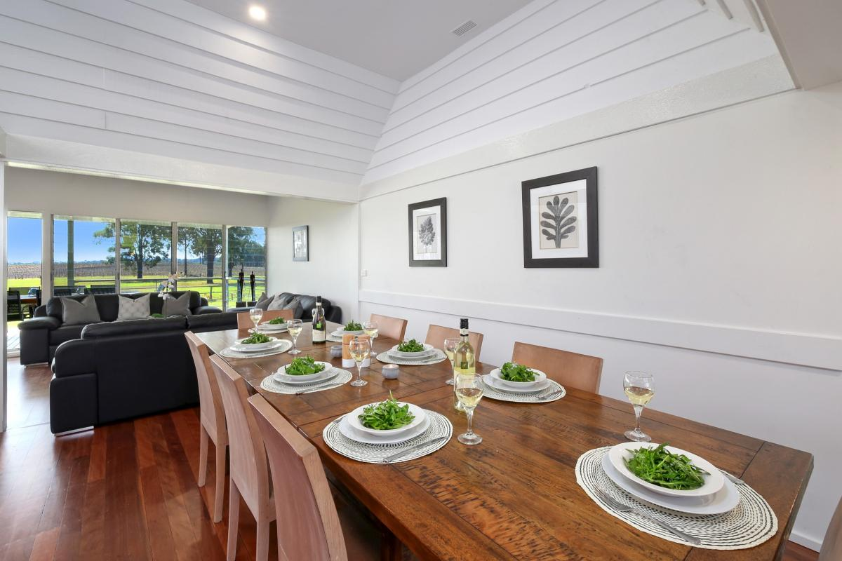 Hunter Valley Accommodation - Ironbark Hill Estate - Pokolbin - Dining