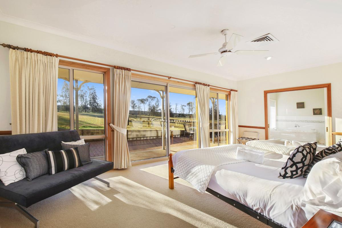 Hunter Valley Accommodation - Windsors Edge Residence & Homestead - Pokolbin - Bedroom
