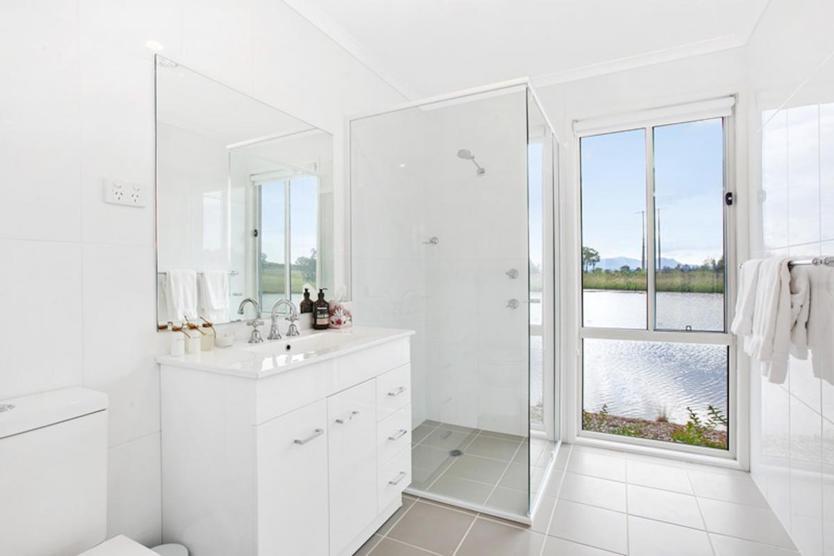 Hunter Valley Accommodation - The Lake House @ 201 - Lovedale - Bathroom