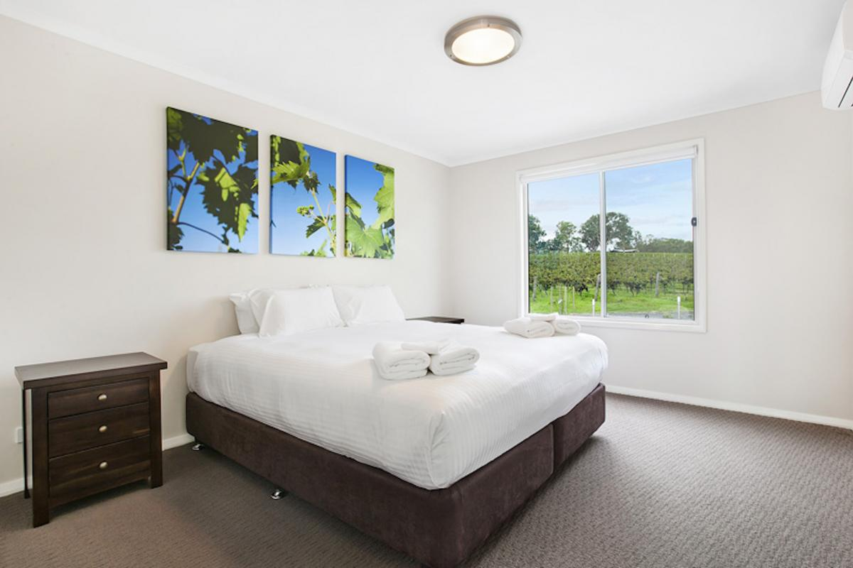 Hunter Valley Accommodation - The Lake House - Bay Lovedale - Bedroom