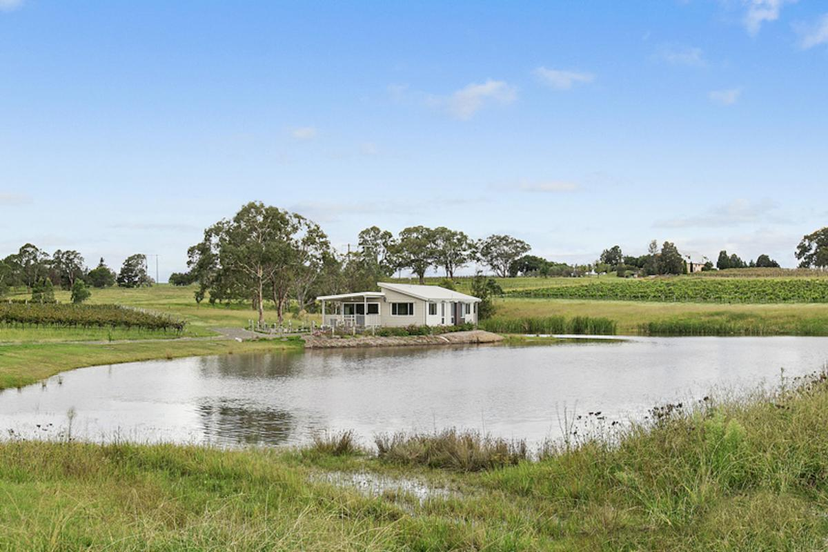 Hunter Valley Accommodation - The Lake House - Bay Lovedale - Bathroom