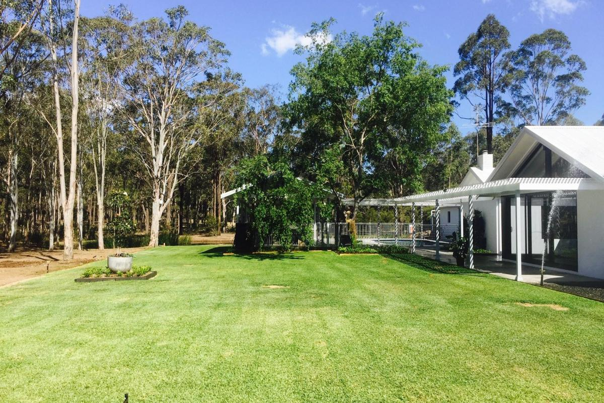 Hunter Valley Accommodation - Whitevale Estate - Lovedale - Gardens