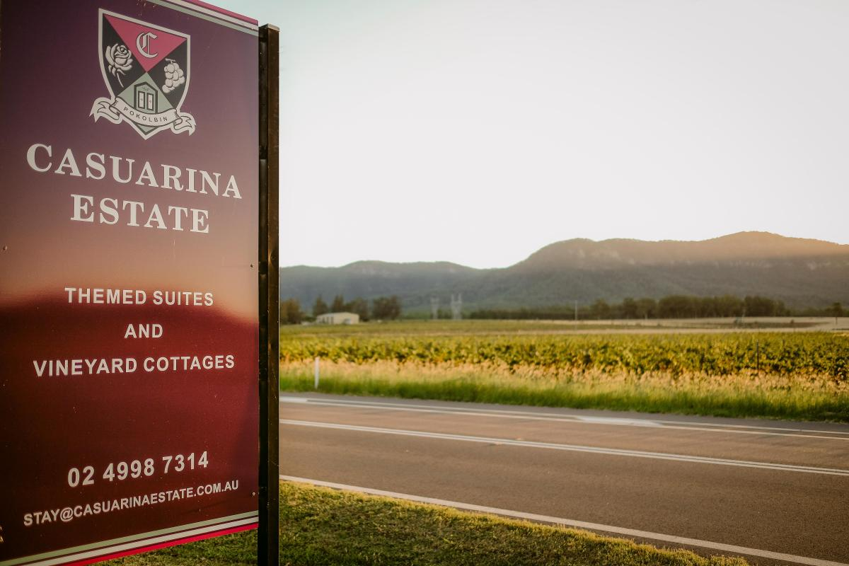 Hunter Valley Accommodation - Casuarina Estate - Themed Spa Suite Casablanca - all