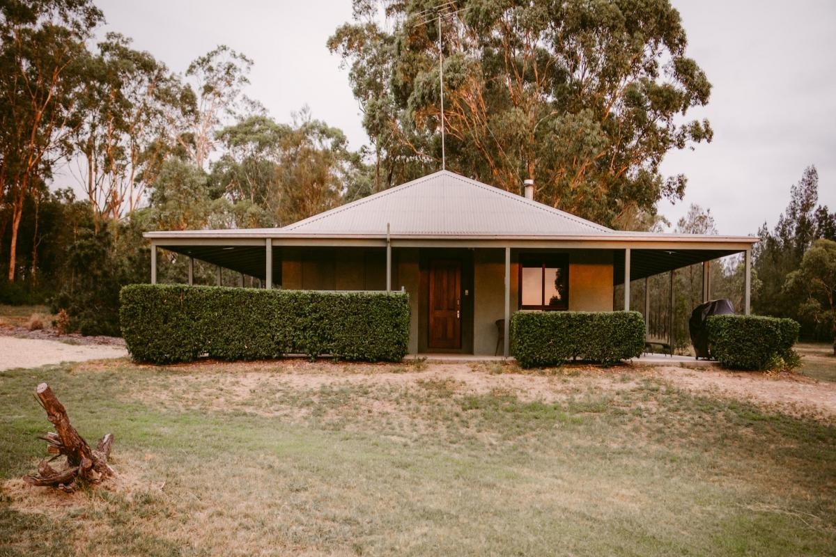 Hunter Valley Accommodation - Billabong Moon Sunset Ridge Cottage - Rothbury - all