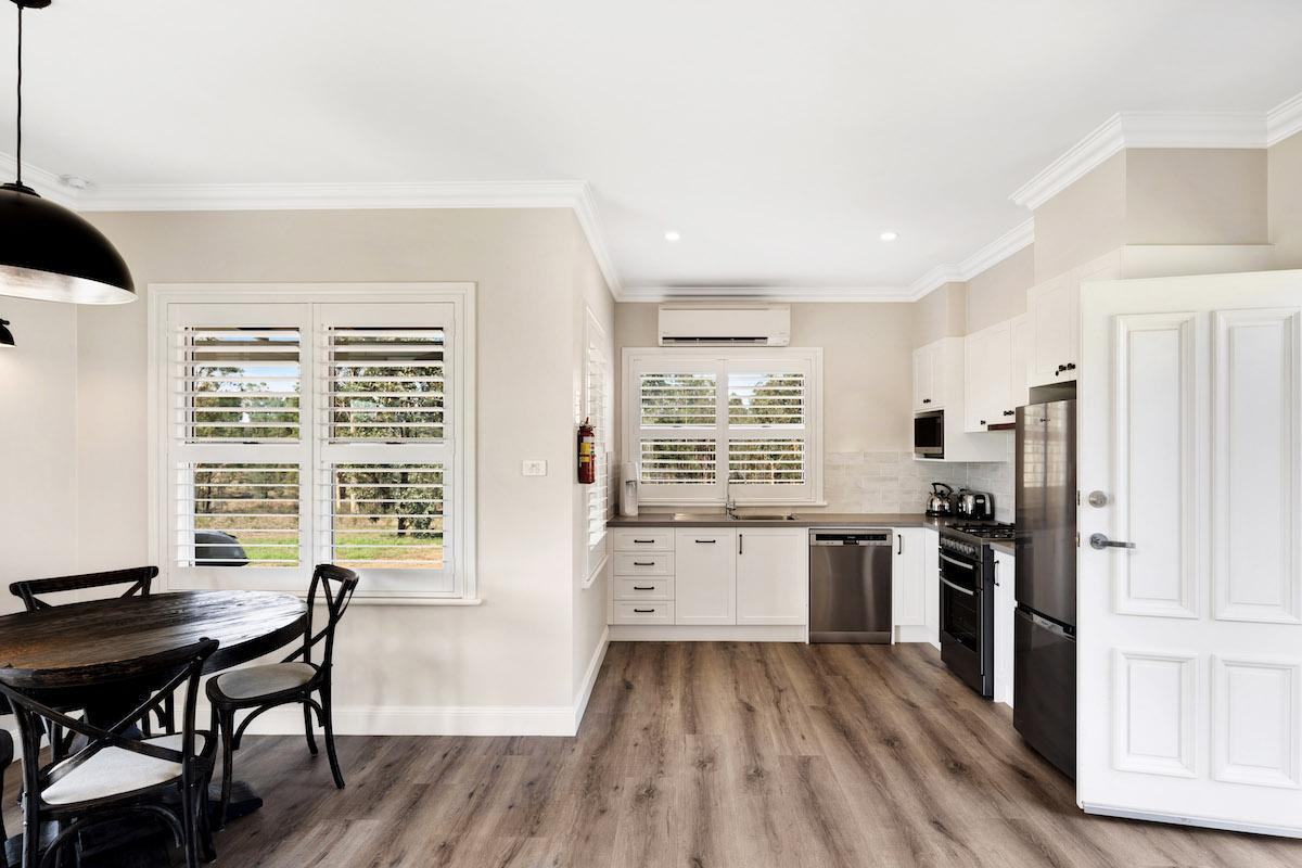 Hunter Valley Accommodation - Jindalee Estate- Pokolbin - Kitchen