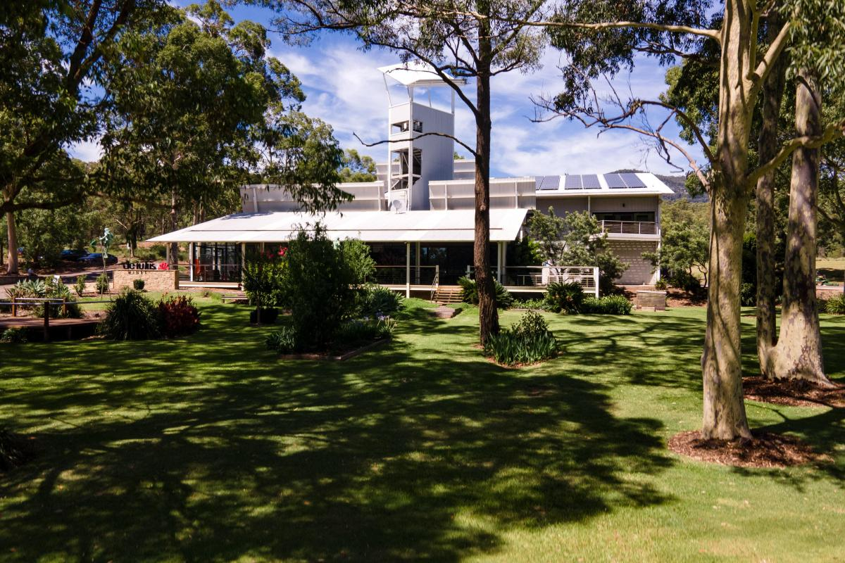 Hunter Valley Accommodation - Winemakers House at De Iuliis - Exterior