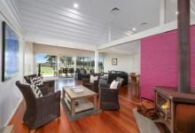 Hunter Valley Accommodation - Ironbark Hill Retreat - Pokolbin - Living Room