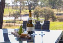 Hunter Valley Accommodation - Ironbark Villa 1 - Pokolbin - Dining