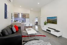 Hunter Valley Accommodation - Ironbark Villa 6 - Pokolbin - Living Room