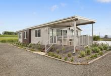 Hunter Valley Accommodation - The Lake House - Bay Lovedale - Exterior