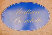 Hunter Valley Accommodation - Casuarina Estate - Themed Spa Suite Italian Bordello - all