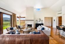 Hunter Valley Accommodation - Arenridge - Broke - Living Room