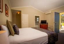 Hunter Valley Accommodation - Banksia Suite at The Grange - Rothbury - Bedroom