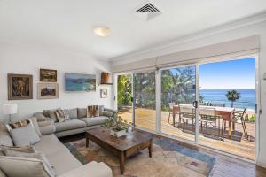 'Driftwood' Beachfront Cottage