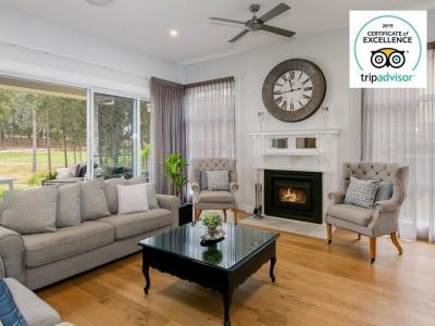 Hunter Valley Accommodation - The Grey House - Pokolbin - Sitting Room