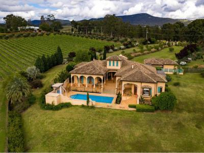 Hunter Valley Accommodation - Iron Gate Estate - Pokolbin - all