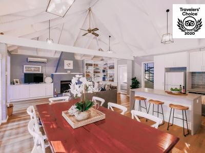 Hunter Valley Accommodation - Casuarina Estate - Hamptons Loft - Sitting Room