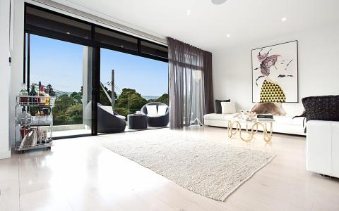 THE CONTEMPORARY VAUCLUSE