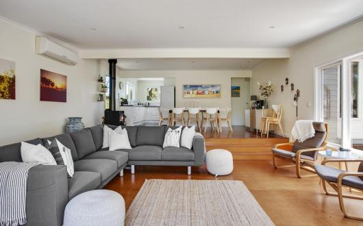 Living  / Lounge areas
