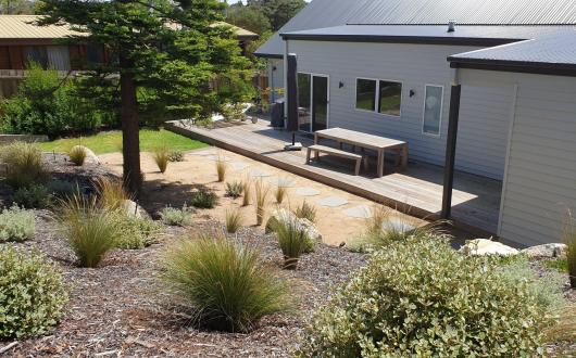 Molly's Beach House: Newly renovated, walk to beach
