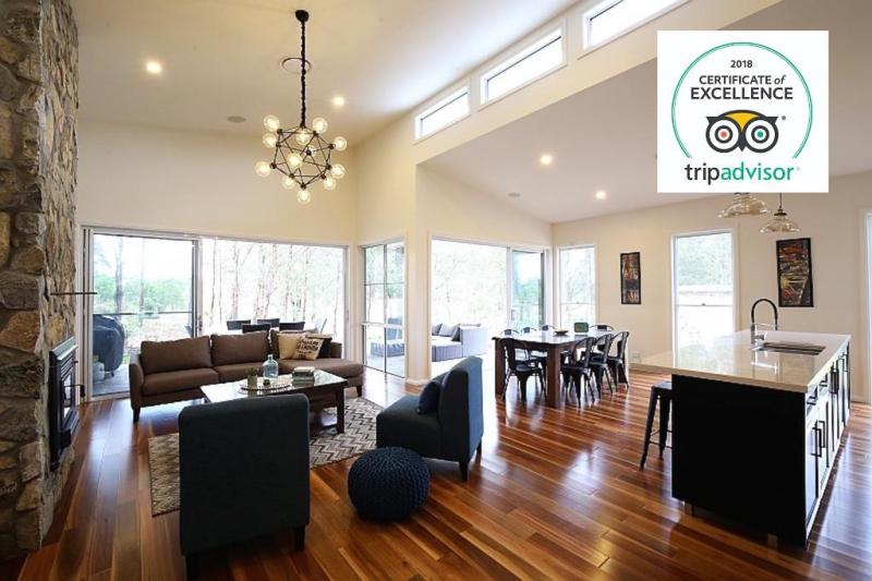 Hunter Valley Accommodation - Lomandra Retreat - Pokolbin - Dining